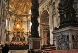 Interior da basílica de São Pedro de Roma